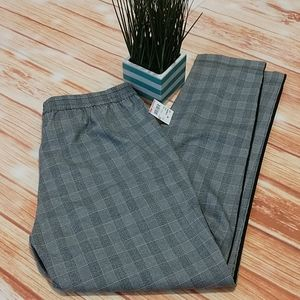 NWT Kenneth Cole grey pull on pants. Size M